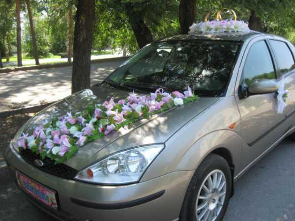 Как крепить украшения на свадебную машину