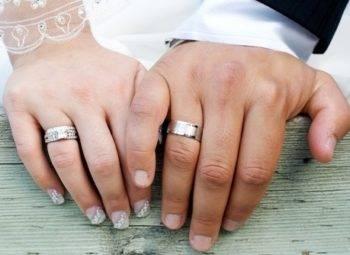 Широкие свадебные кольца