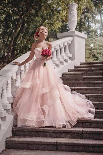 Фасоны свадебных платьев для невысоких