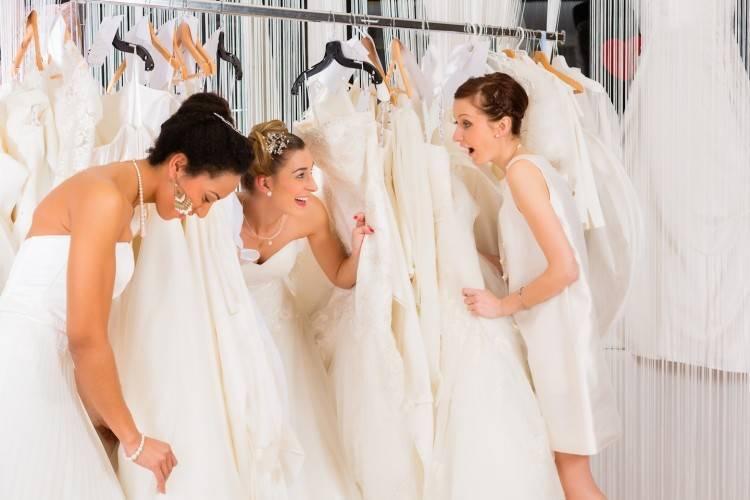 Стоит ли брать свадебное платье напрокат
