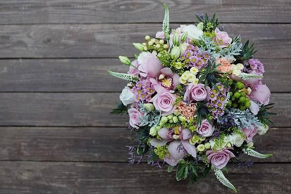 Какие цветы можно дарить на свадьбу